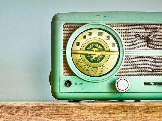 Receptor de FM-AM - Día Mundial de Radio